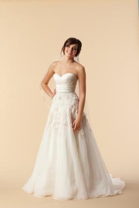 6079B Lasara wedding dress