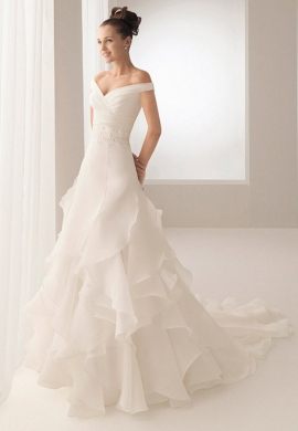 Aire Barcelona Wedding Dress Style Bobbie
