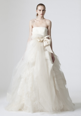 Vera Wang: Spring 2010 Look 8 wedding dress