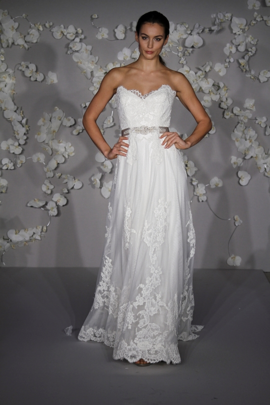 Lazaro: LZ3004 wedding dress