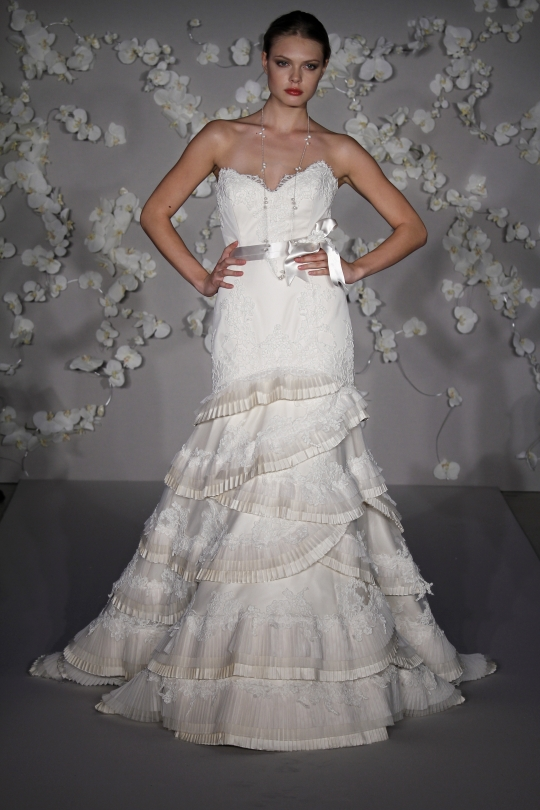 Lazaro: LZ3006 wedding dress