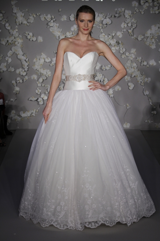 Lazaro: LZ3007 wedding dress