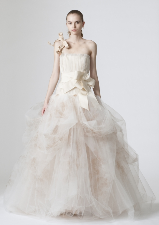vera wang wedding dress. Vera Wang Wedding Dress Style
