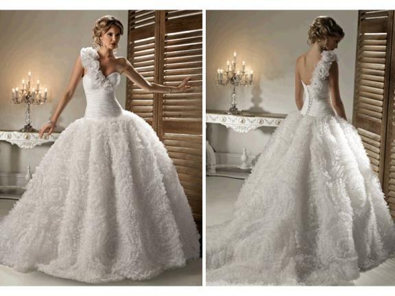 wedding dresses 2011 styles. Wedding Dresses 2011 Style