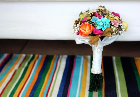 Bridal Brooch Bouquets: An Eco-Chic Alternative That Will Last Forever | OneWed.com :  vintageinspired 2010 trends green wedding ideas bridal bouquets