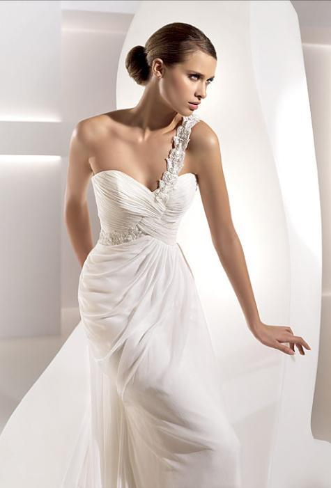 unique one shoulder wedding dress