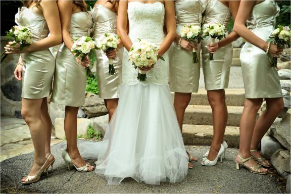 Bride Wears Lace Wedding Dress Bridesmaids Wear Strapless Champagne Tail Frocks