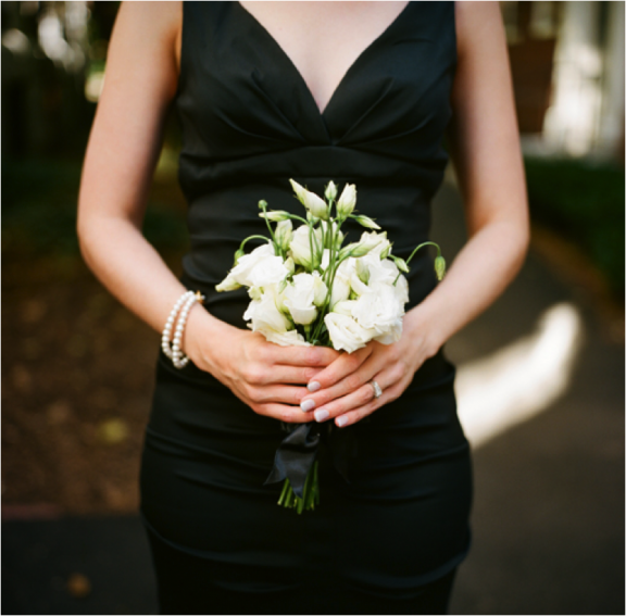 10 different white wedding bouquets fiftyflowers the blog white wedding bouquet photo by abryan photo mightylinksfo