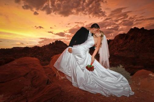 Wedding Venues in Las Vegas, NV: Scenic Las Vegas Weddings and Photography