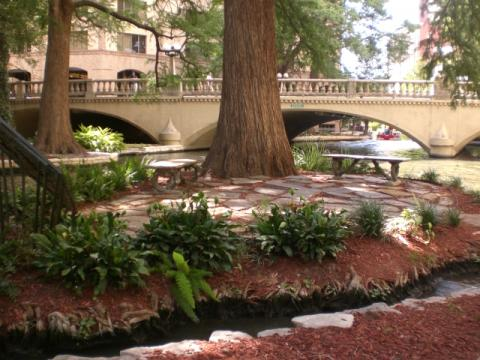 Marriage island san antonio riverwalk on onewed for Perfect places to get married