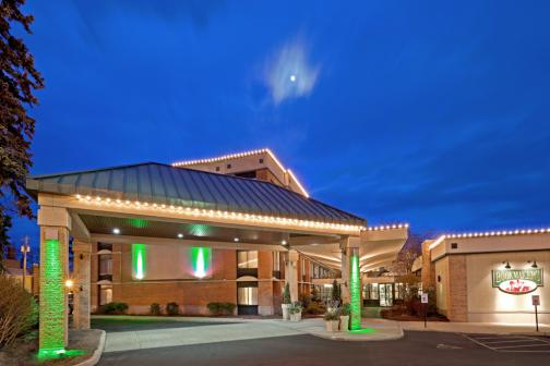 Wedding Venues in Saratoga Springs, NY: Holiday Inn Saratoga Springs