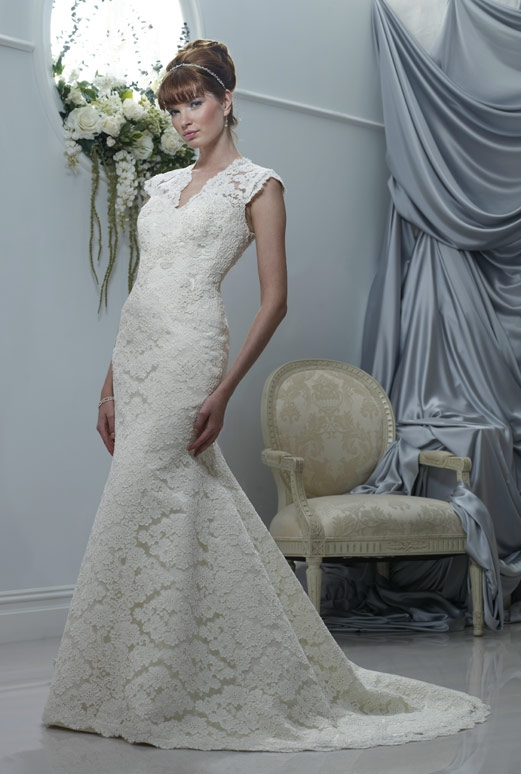 Birnbaum and Bullock: Marlene wedding dress