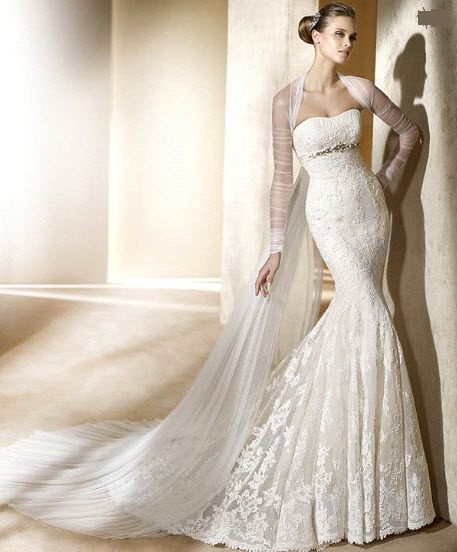 Pronovias 39s wedding dress style Silaba is an ivory strapless neckline