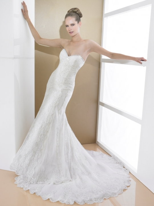 Val Stefani 39s wedding dress style D7993 is an ivory sweetheart neckline