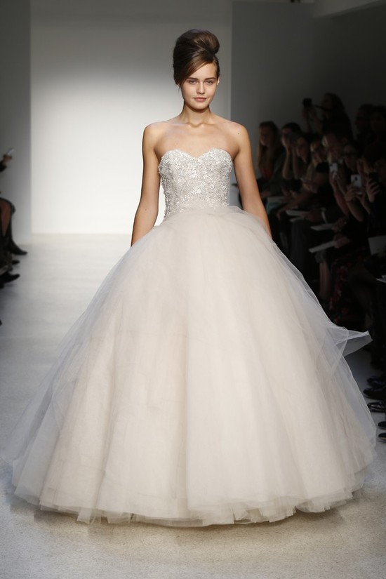 SPRING 2013 WEDDING DRESS CHALLENGE 9