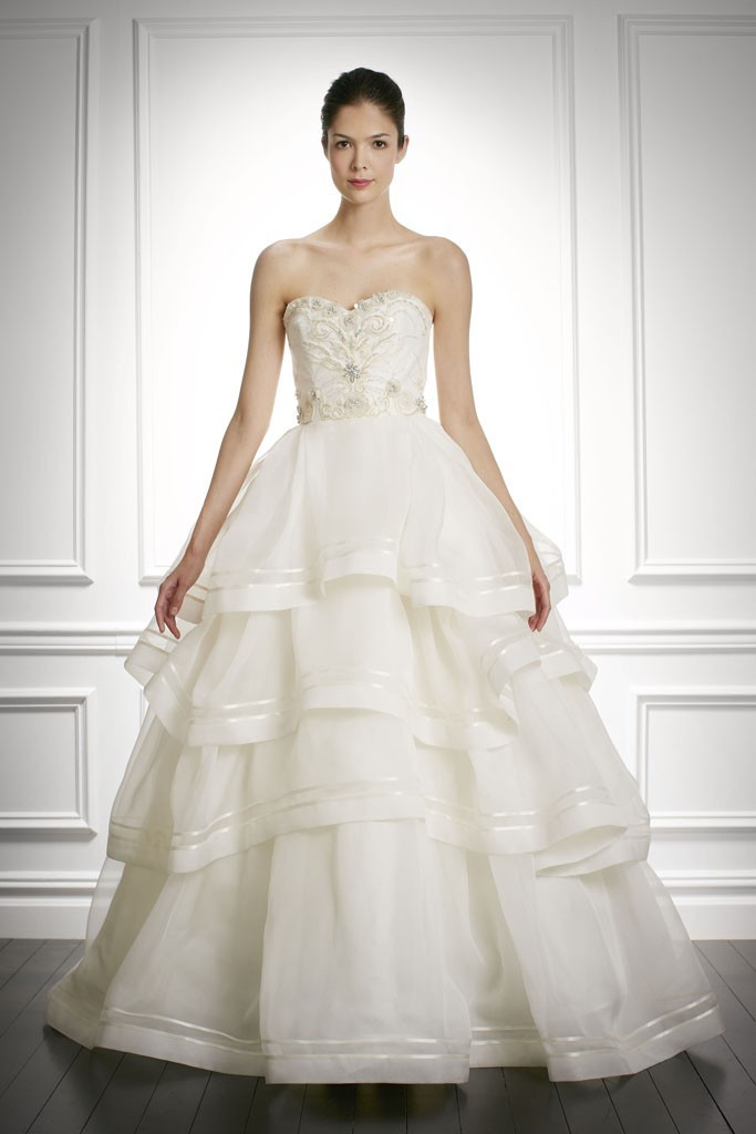 Fall-2013-wedding-dress-carolina-herrera-bridal-gowns-8.full