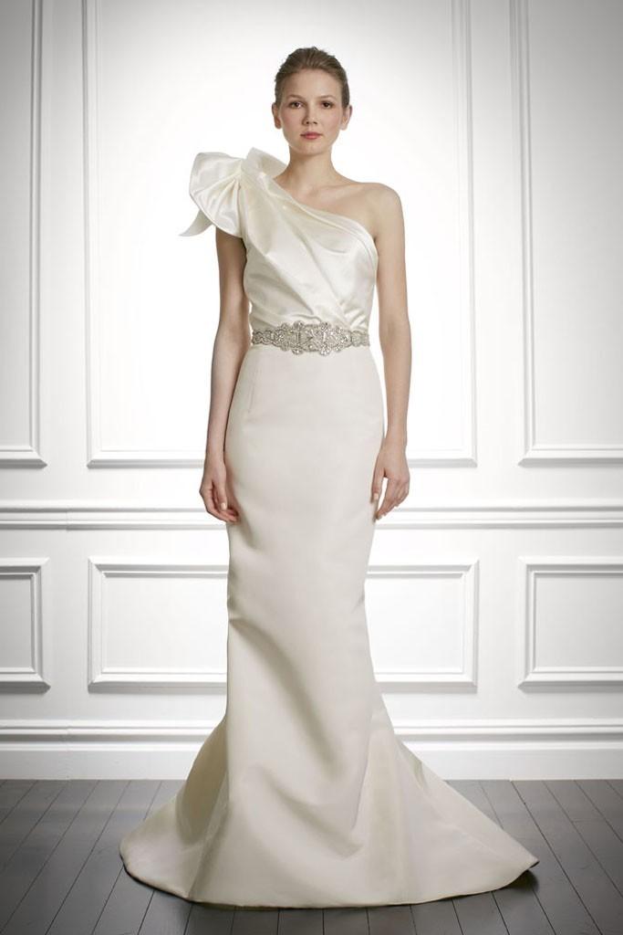 Fall-2013-wedding-dress-carolina-herrera-bridal-gowns-3.full