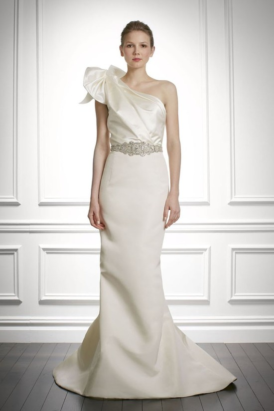 fall 2013 wedding dress Carolina Herrera bridal gowns 9