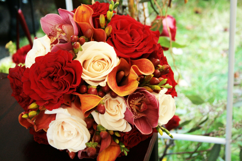 Fall-wedding-flowers-bouquets-and-centerpieces-2.full