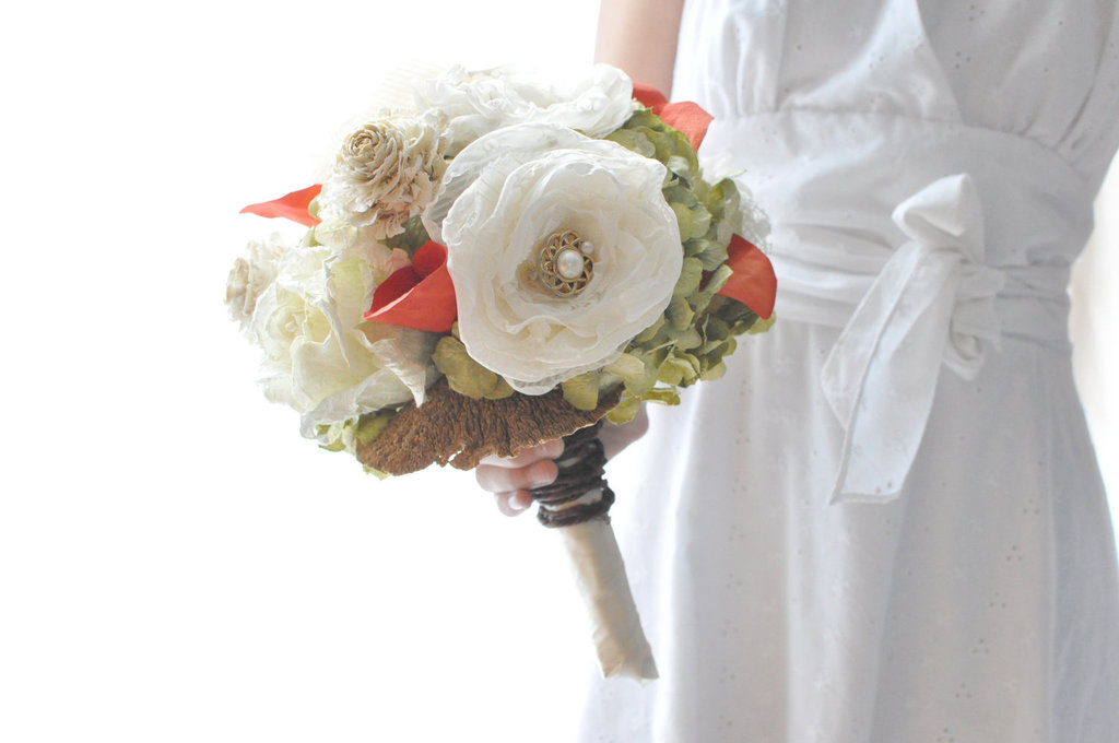 Fall-wedding-flowers-bouquets-and-centerpieces-paper-flowers.full