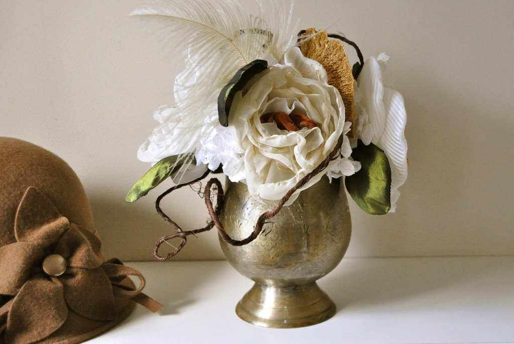 Fall-wedding-flowers-bouquets-and-centerpieces-brass-vase-vintage-inspired.full