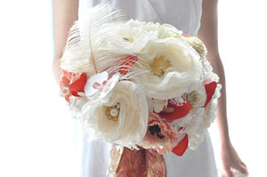 photo of From Traditional to Alternative: Favorite Fall Wedding Bouquets and Centerpieces