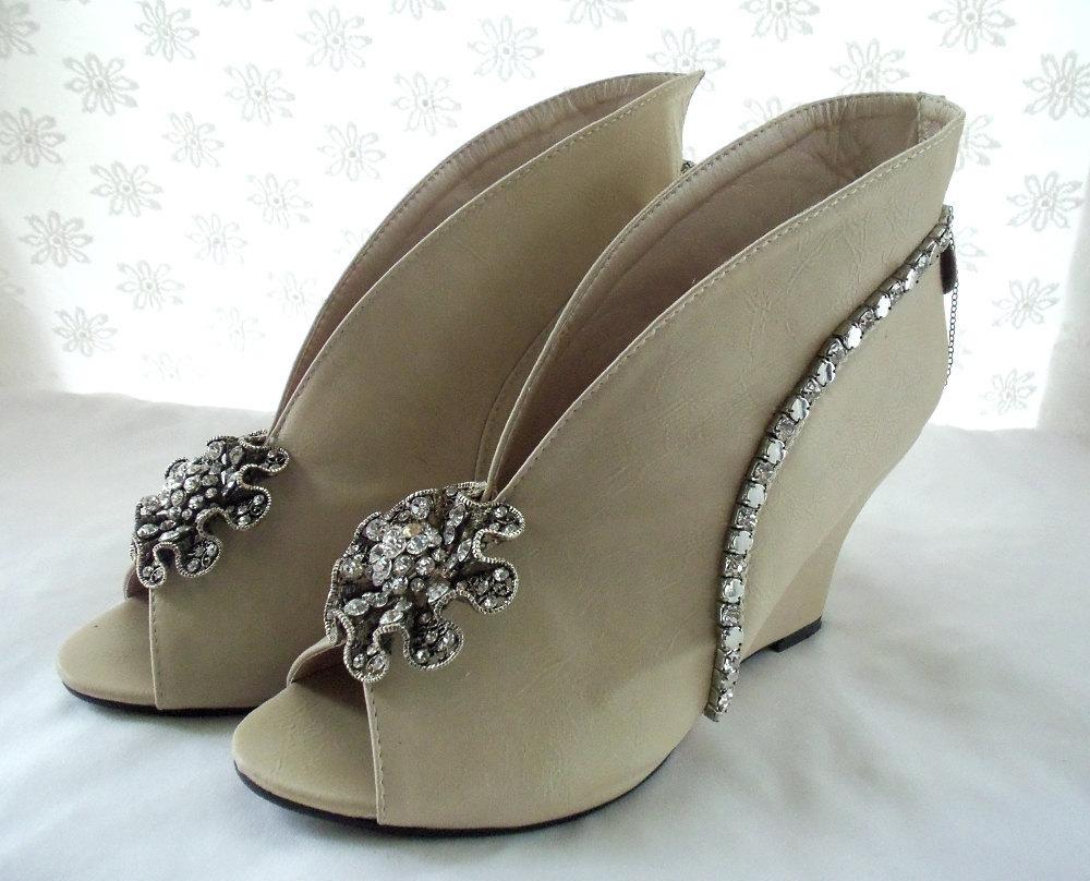 Avant-garde-wedding-shoes.full