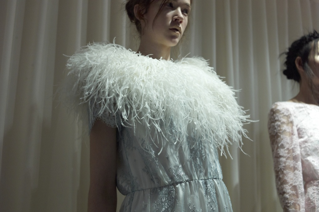 Houghton-bridal-wedding-dresses-and-separates-for-edgy-vintage-brides-feather-collar.full