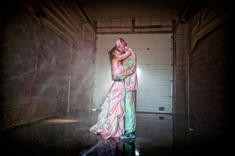 Priceless-wedding-photography-best-of-trash-the-dress-pastel-paints.full