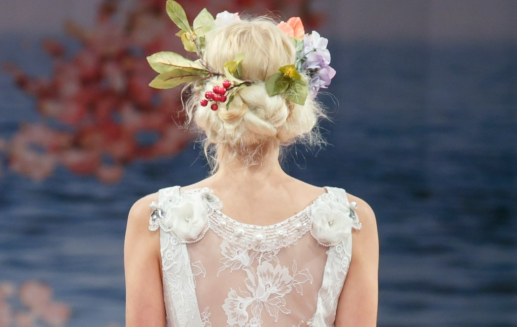 Romantic-brides-runway-inspiration-claire-pettibone-2.full