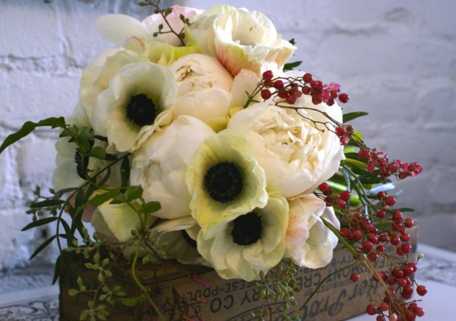 Romantic-wedding-flowers-poppy-bridal-bouquet-poppies-posies-ivory-red-black.full