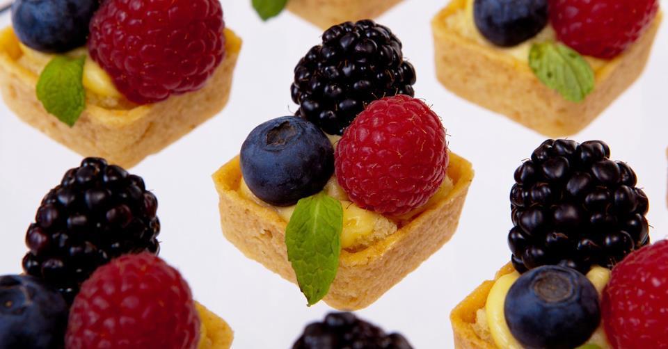 Wedding-food-delicious-tarts-cake-alternative.full