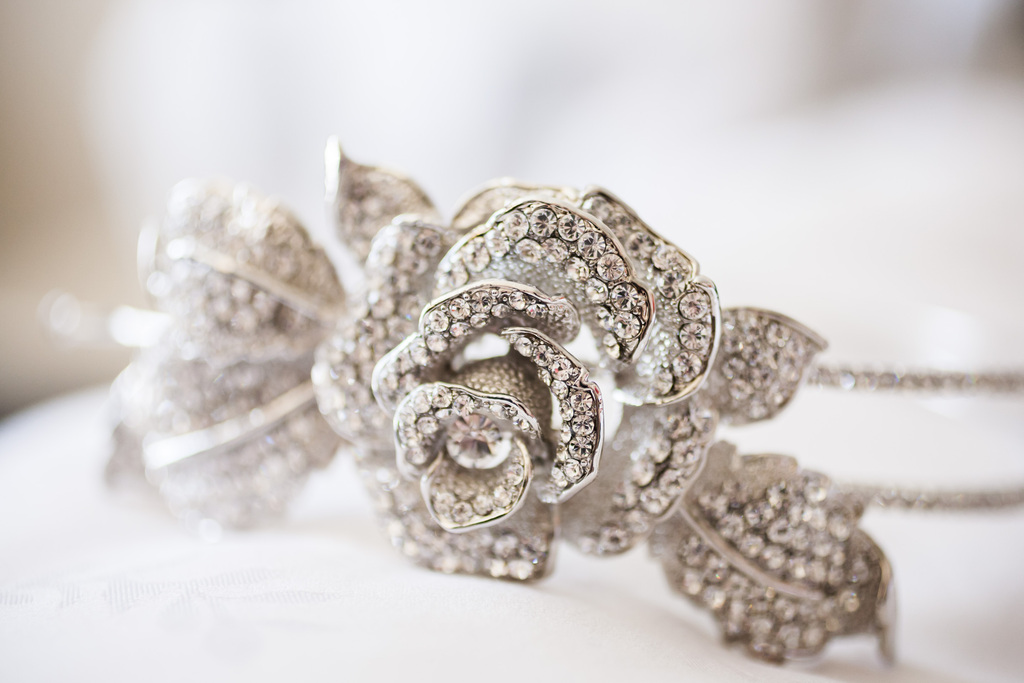 Epic-wedding-in-los-angeles-california-weddings-bridal-headband.full