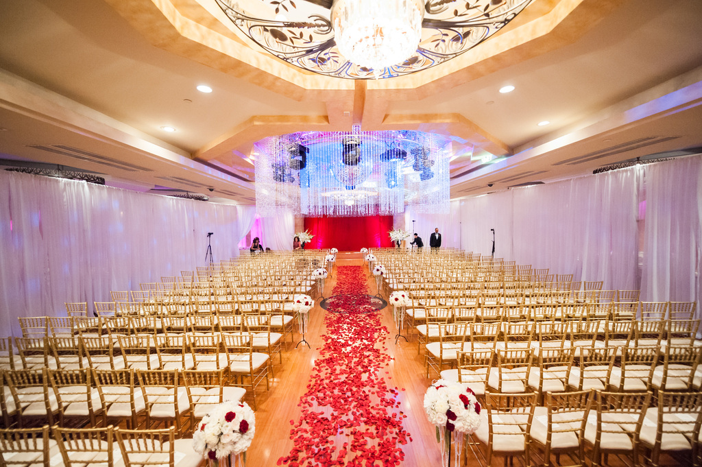 Epic-wedding-in-los-angeles-california-weddings-retro-glam-venue.full
