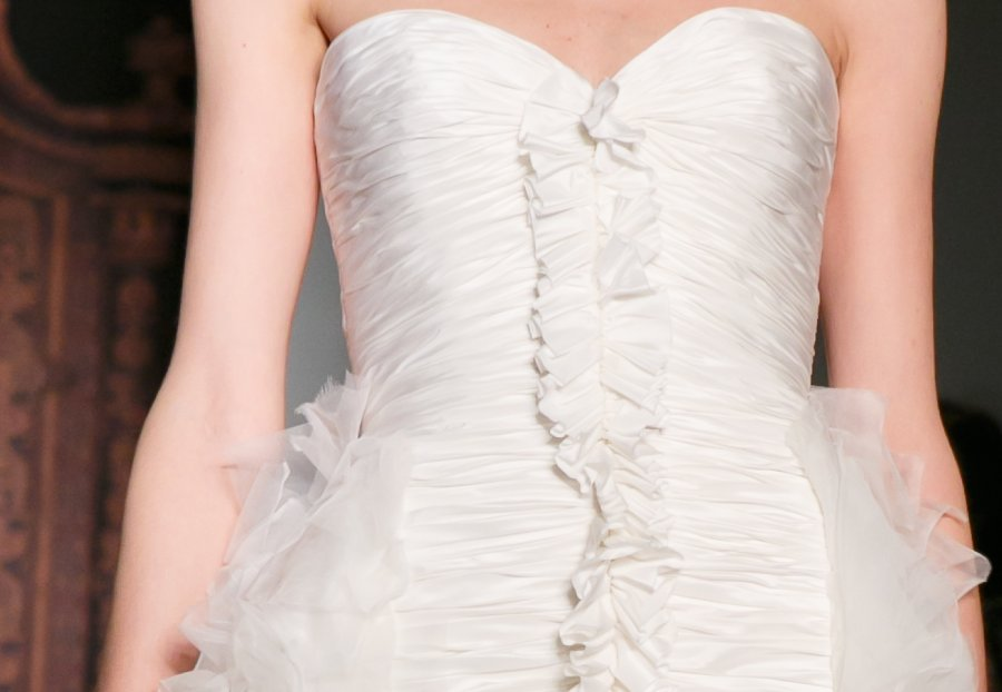 Bridal-runway-inspiration-reem-acra-fall-2013-lwd-ruched.full