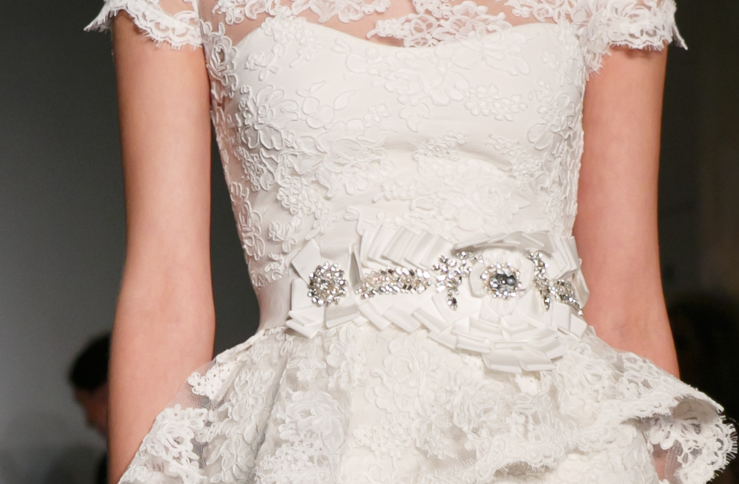 Bridal runway inspiration fall 2013 reem acra wedding for Reem acra lace wedding dress