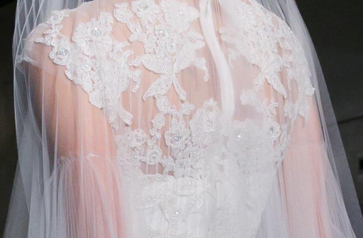 Lace-illusion-neckline-wedding-dress-reem-acra-fall-2013-3.full