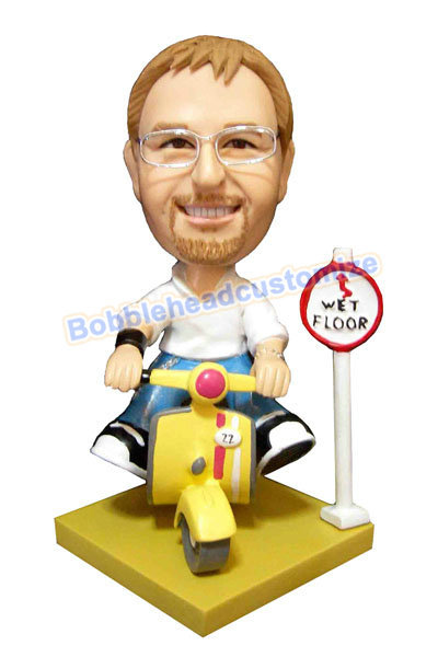 Custom_bobbleheads_doll_Male_on_scooter