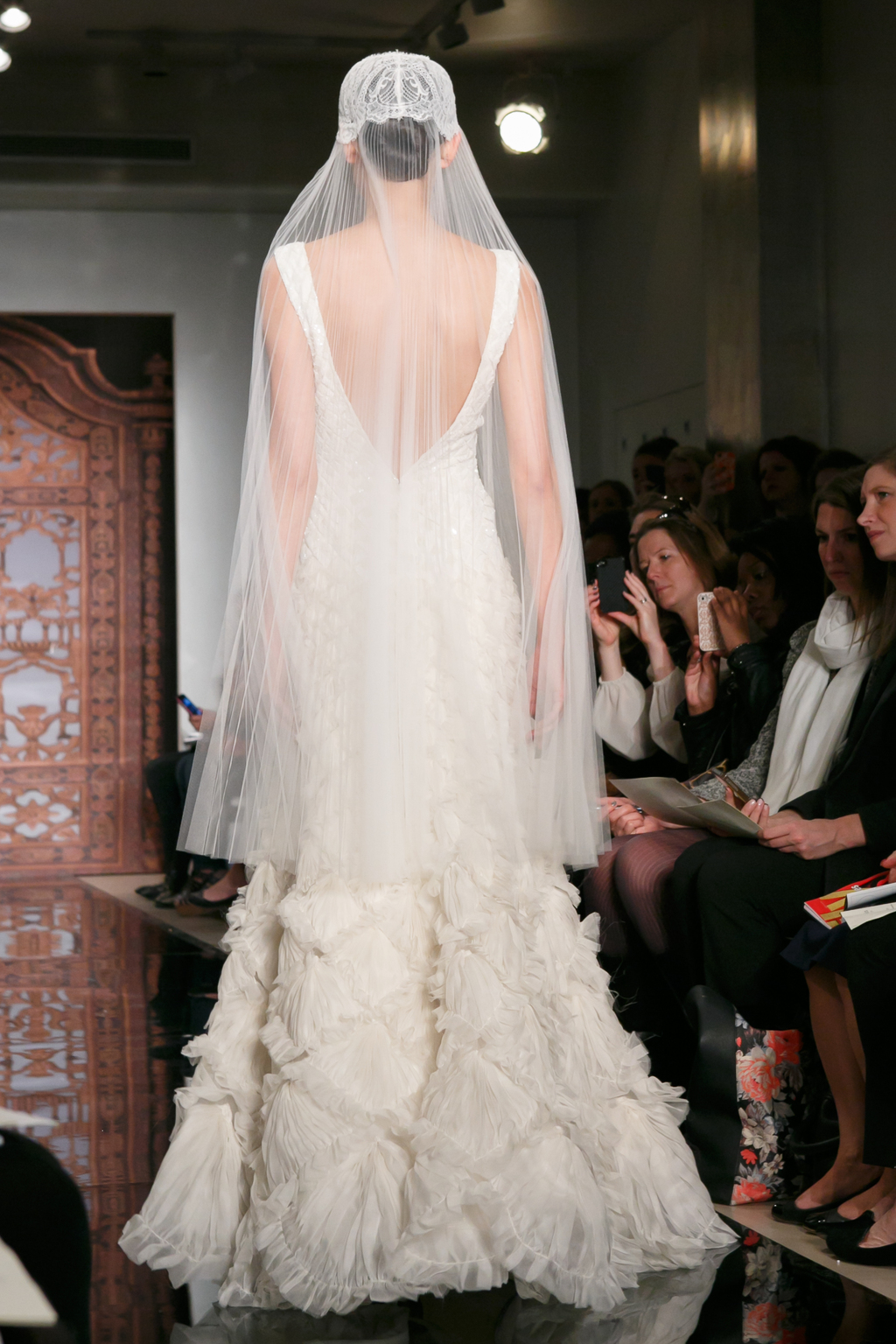 Reem-acra-wedding-dress-fall-2013-bridal-liao-always-for-you-b.full