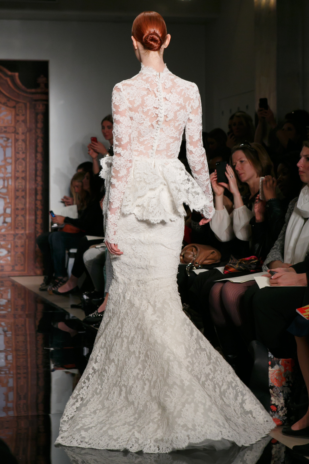 Reem acra wedding dress fall 2013 bridal frances alluring for Reem acra lace wedding dress