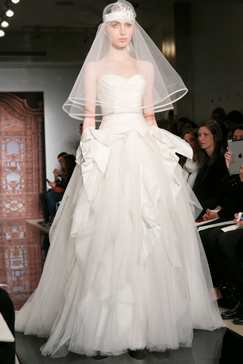 Reem-acra-wedding-dress-fall-2013-bridal-melise-modern-sensation.full