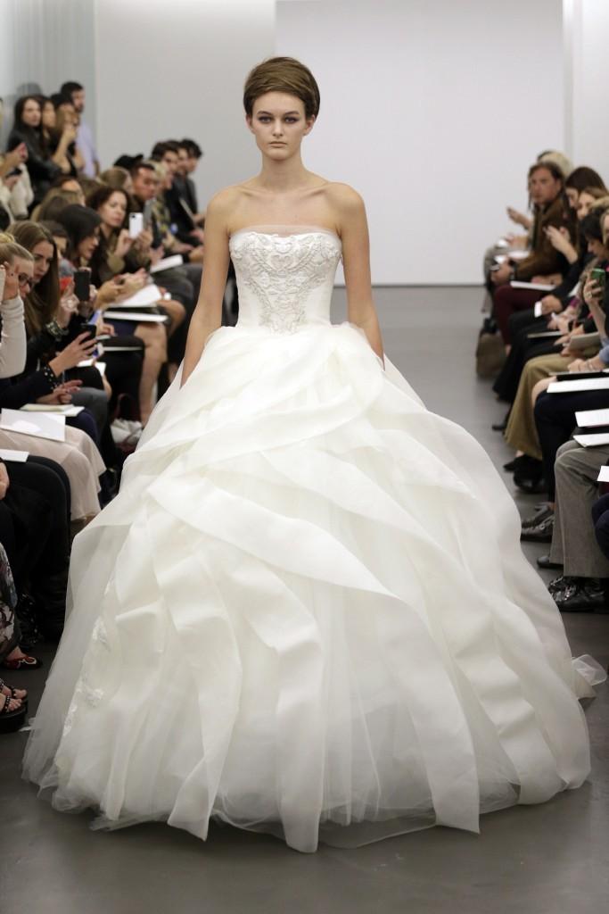 Vera-wang-wedding-dress-fall-2013-bridal-1.full
