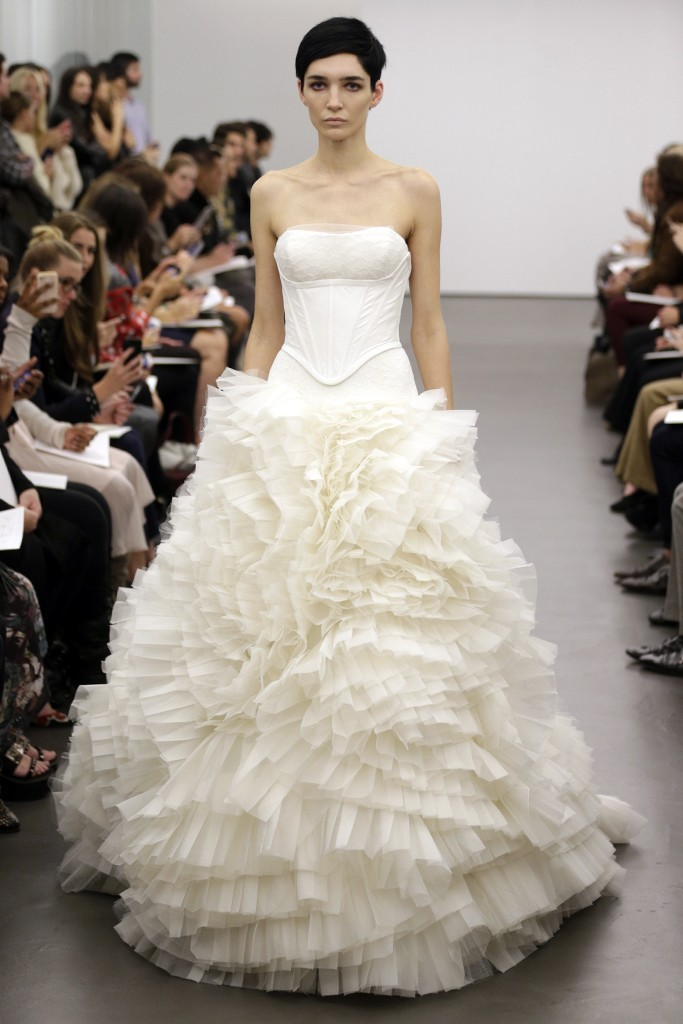 Vera-wang-wedding-dress-fall-2013-bridal-2.full