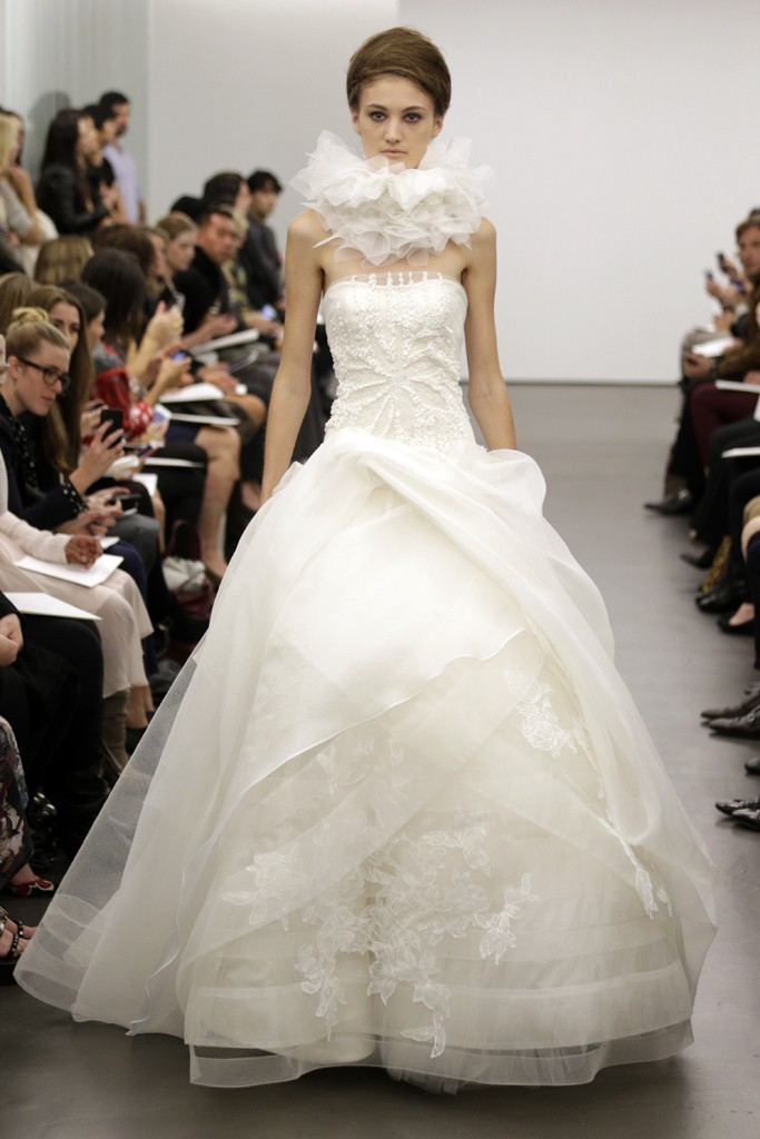 Vera-wang-wedding-dress-fall-2013-bridal-6.full