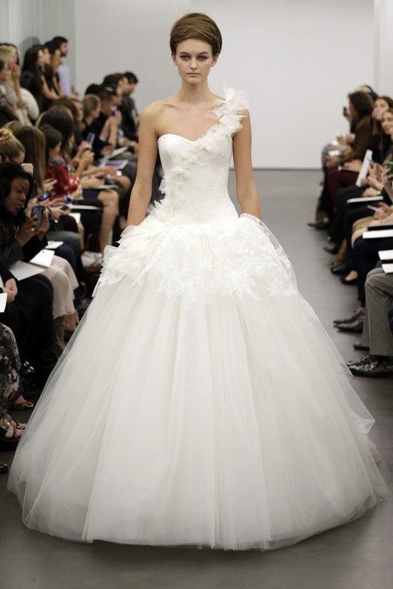 Vera Wang wedding dress Fall 2013 bridal 8
