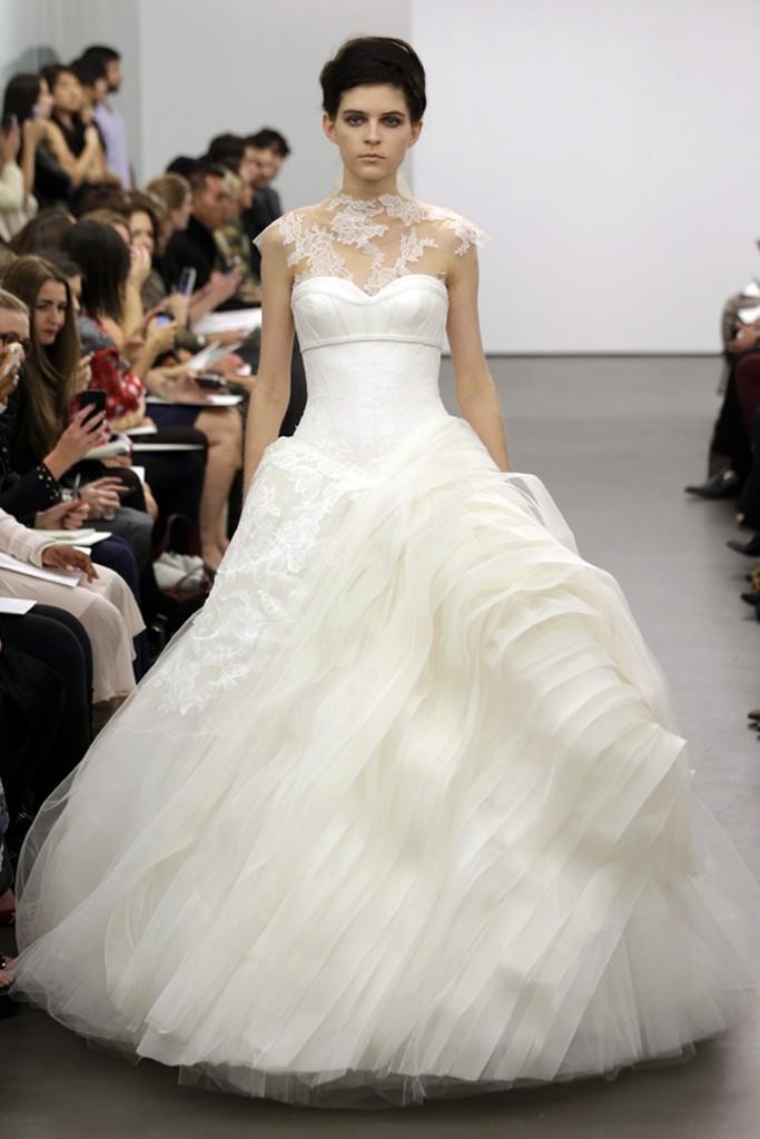 Vera wang wedding dress fall 2013 bridal 14 for Wedding dress pictures 2013