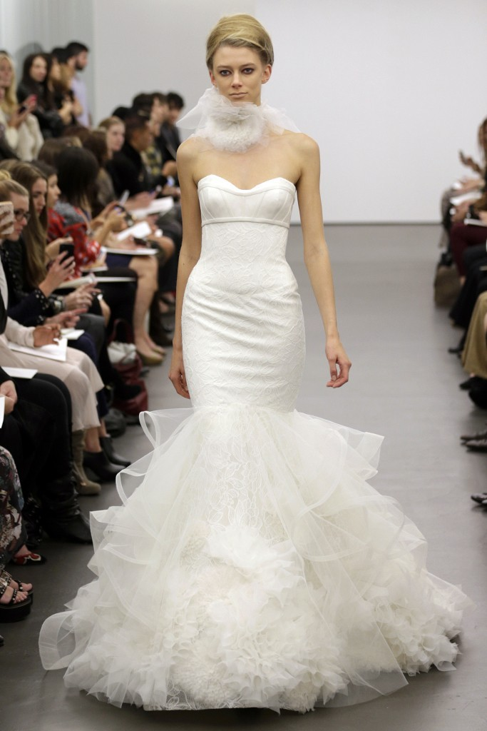 Vera-wang-wedding-dress-fall-2013-bridal-16.full