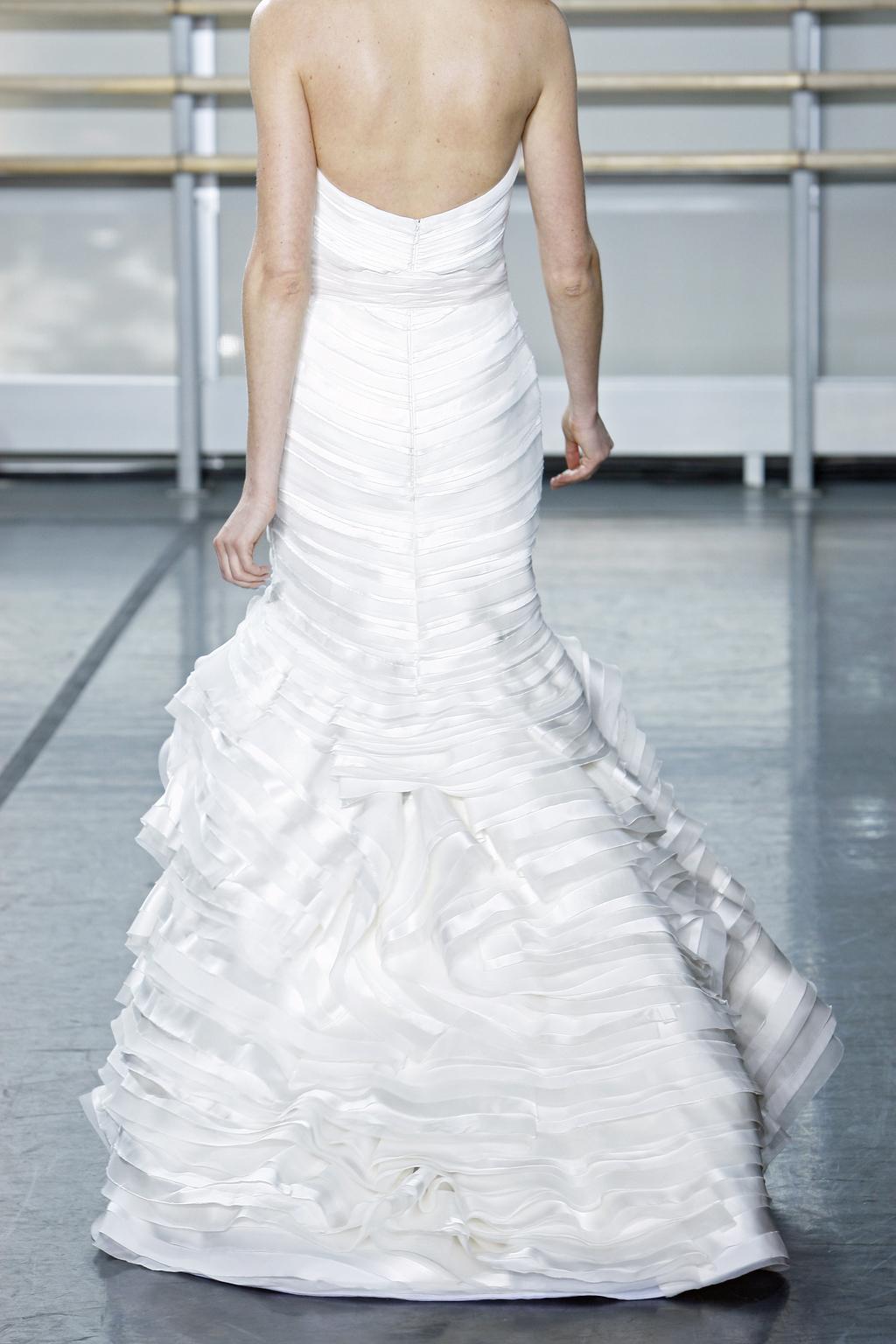 Rivini-wedding-dress-fall-2013-bridal-gown-glacia-back.full