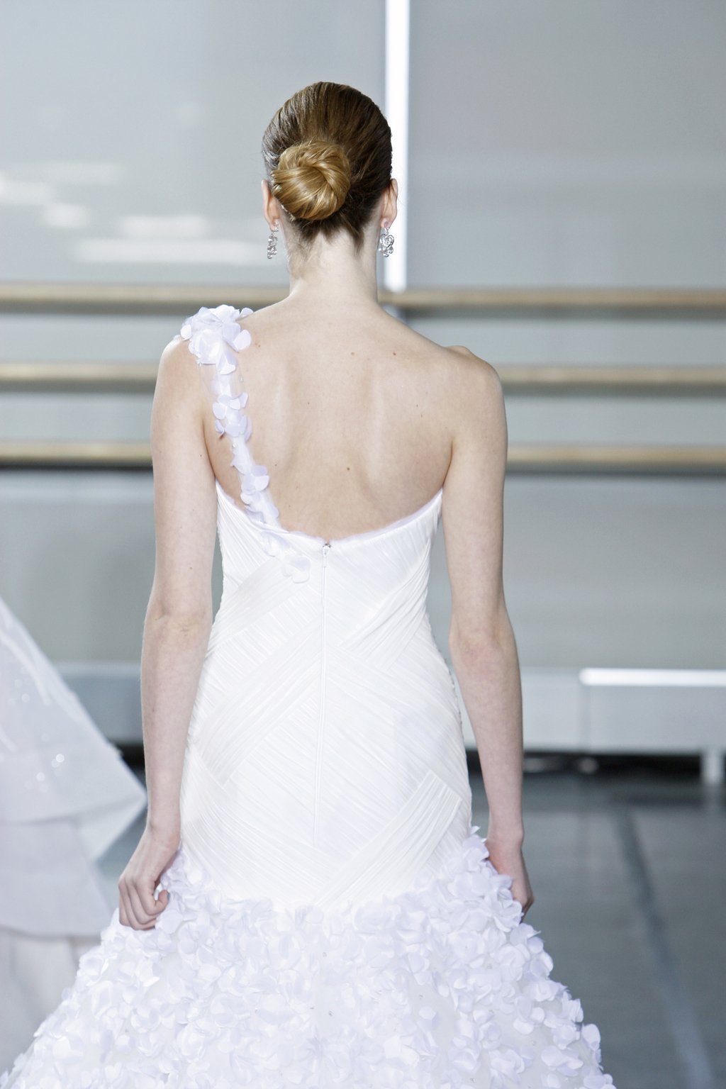 Rivini-wedding-dress-fall-2013-bridal-gown-biancaneve-back.full