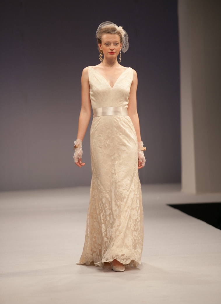 Anne-barge-wedding-dress-fall-2013-bridal-gabrielle.full